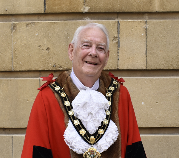 Mayor Ian Carr